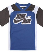 Nike Kids'ten tshirt ve ceket modelleri
